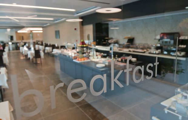 hotel-breakfast-essen_161511280088