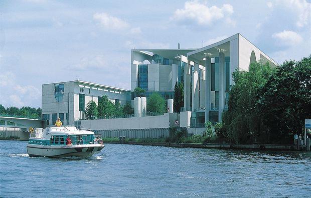 hausboot-uebernachtung-vetus-rechlin-freizeit-see