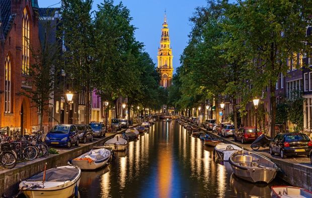 traumreise-amsterdam-kanal-nacht