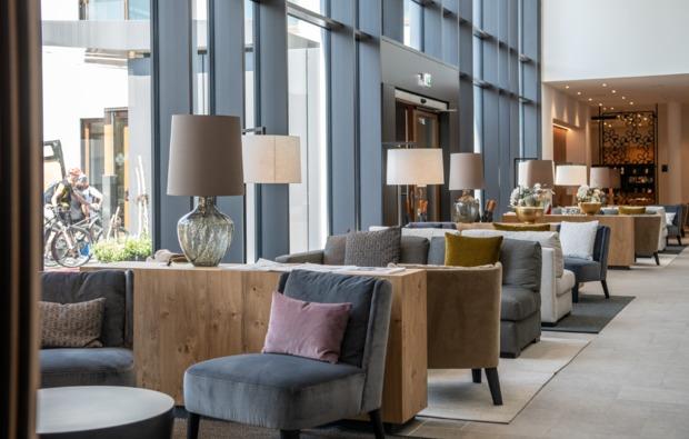 wellnesshotels-schwangau-lobby-sitz