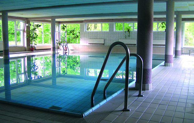romantikwochenende-cunewalde-swimmingpool