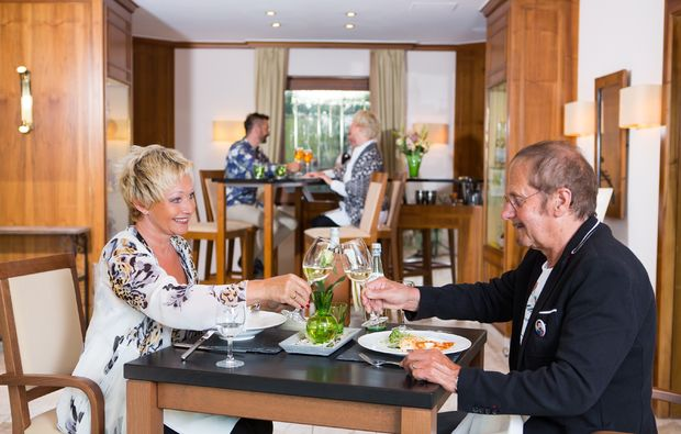 wellness-wochenende-deluxe-bad-fuessing-dinner