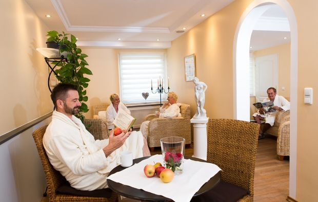 wellness-wochenende-deluxe-bad-fuessing-relaxen