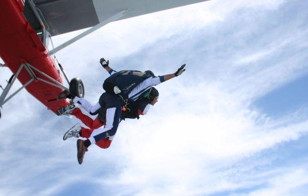 fallschirm-tandemsprung-thalmaessing-action