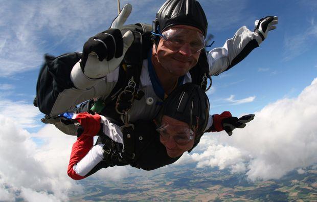 fallschirm-tandemsprung-thalmaessing-erlebnis