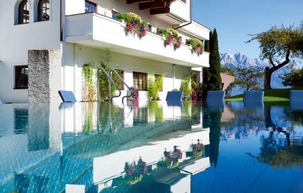 wellnesstag-fuer-zwei-leogang-pool