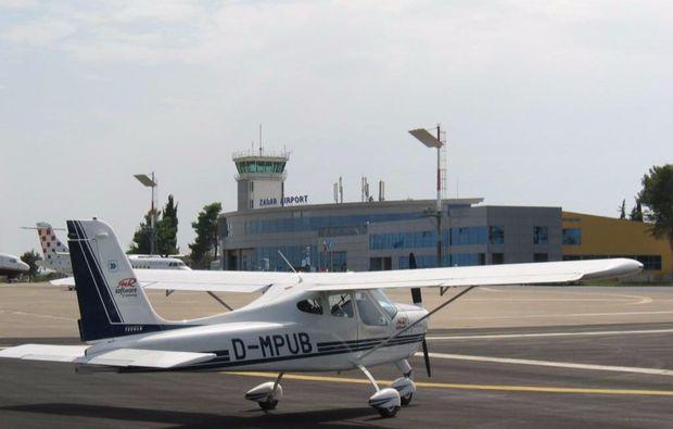 flugzeug-rundflug-ueber-regensburg-fliegen