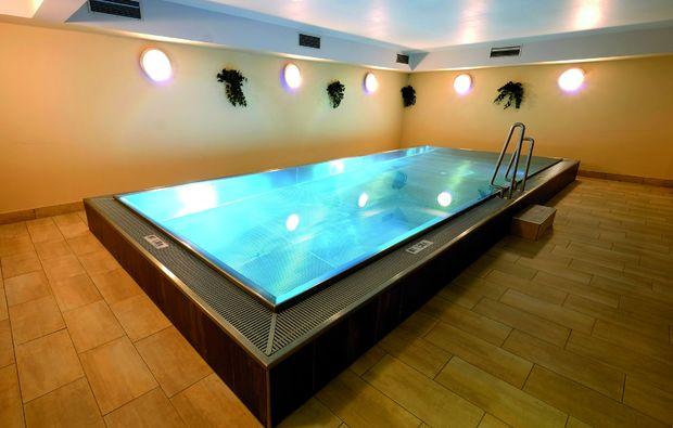 wellnesshotels-nassfeld-swimmingpool