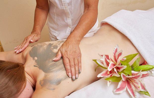 wellnesshotels-neunkirchen-massage