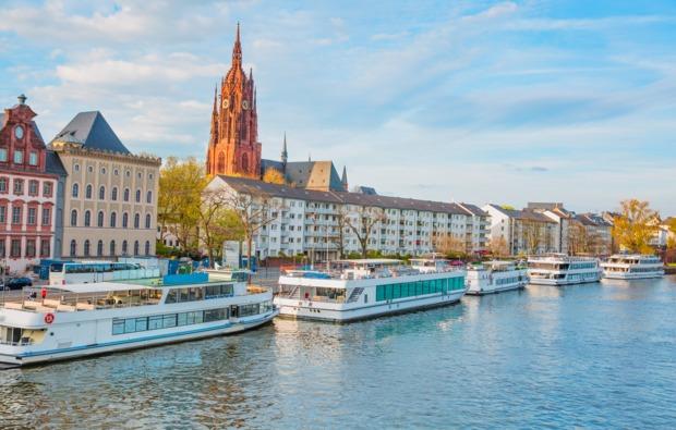 erlebnisreise-frankfurt-bootsfahrt