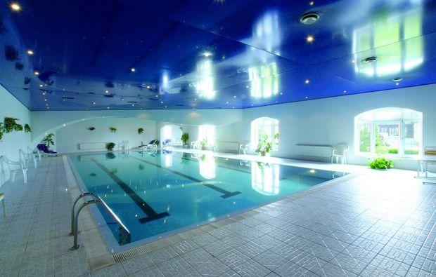 schlosshotels-senohraby-schwimmbad