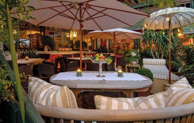 gemeinsamzeit-st-johann-tirol-terrasse