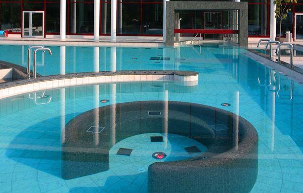 wellnesstag-fuer-zwei-bad-reichenhall-pool