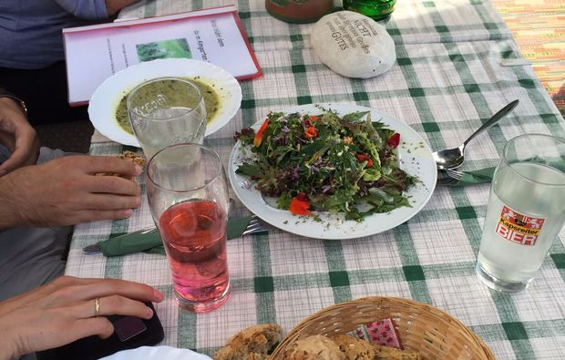 kulinarische-bergwanderung-reit-im-winkl-salat