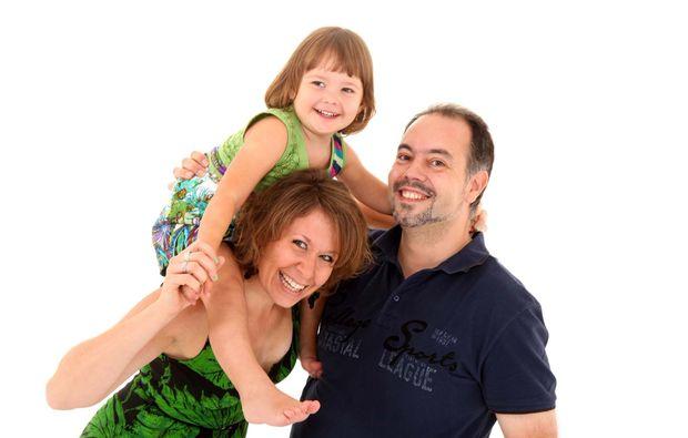 babybauch-fotoshooting-wien-spass