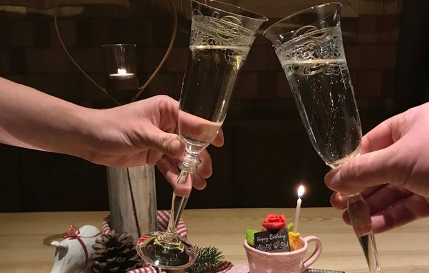 candle-light-dinner-fuer-zwei-tannheim-sekt