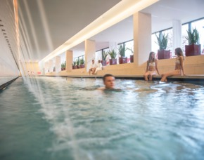 Asia therme valentinstag