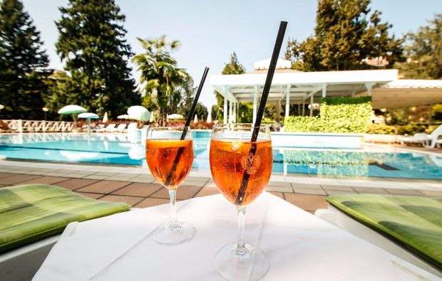 romantikwochenende-levico-terme-pool