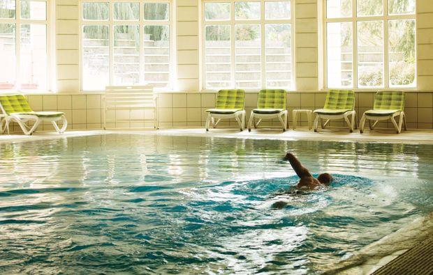 romantikwochenende-levico-terme-schwimmbad