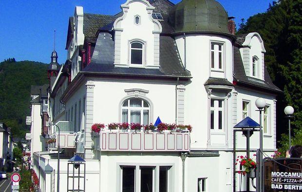 kurzurlaub-bad-bertrich-hotel1479294550