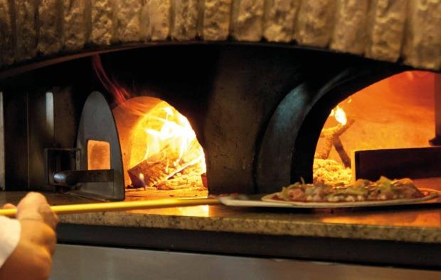 urlaub-mit-hund-ostia-antica-pizza