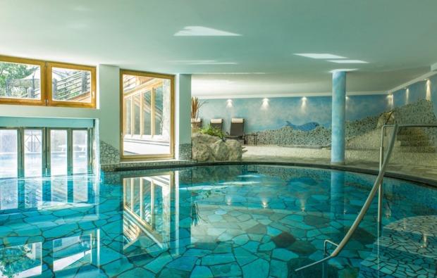 wellness-wochenende-feldthurns-pool