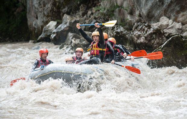 rafting-lofer-wasser-im-boot