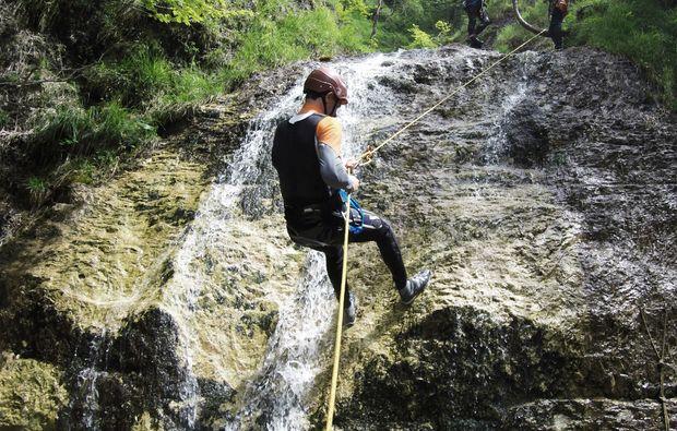 canyoning-tour-sankt-gallen-abseilen