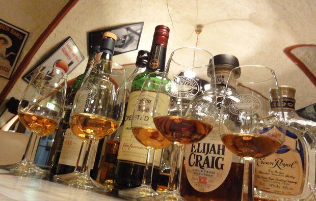 whisky-verkostung-dornbirn-flaschen