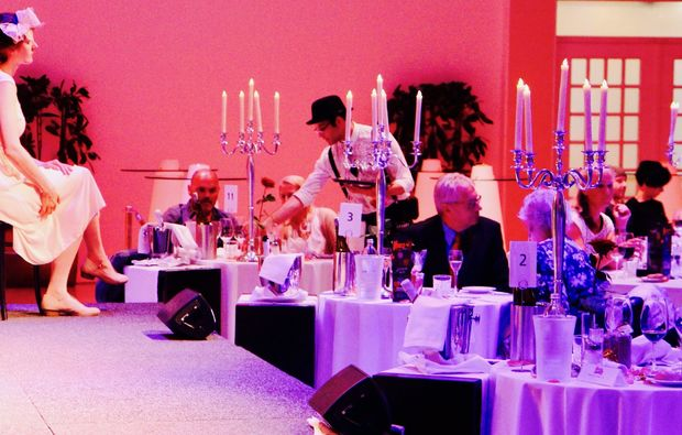 moerder-dinner-hainfeld-candle