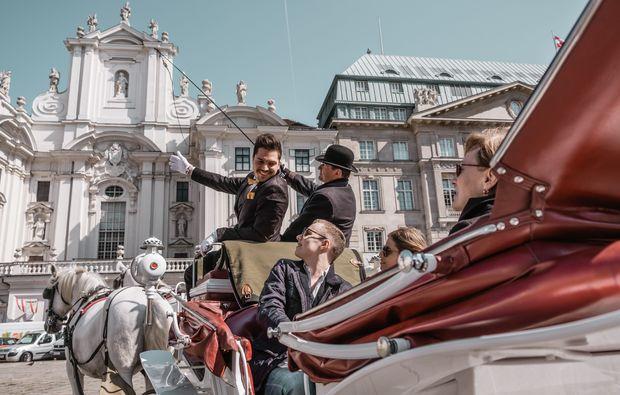 stadt-fuehrung-kutsche-wien