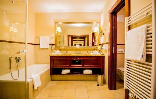 kuschelwochenende-lienz-hotelbadezimmer