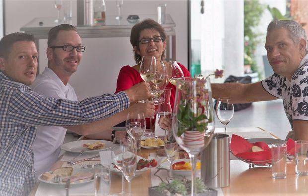 weinverkostung-fuer-zwei-deutschkreutz-feiern