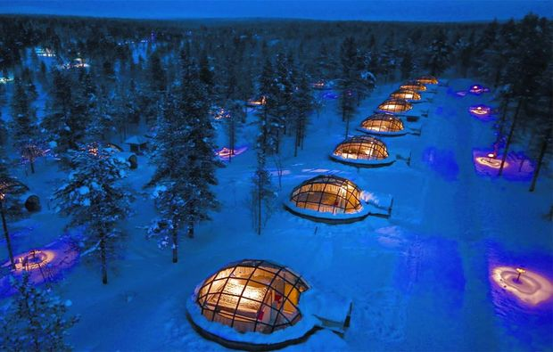 erlebnisreise-saariselkae-glas-iglu-lappland-nachts