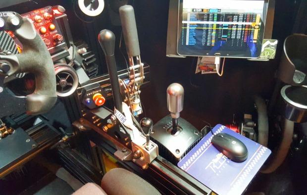 full-motion-rennsimulator-30-minuten-wien-bg4