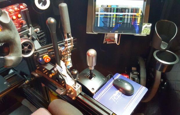 full-motion-rennsimulator-60-minuten-wien-bg4