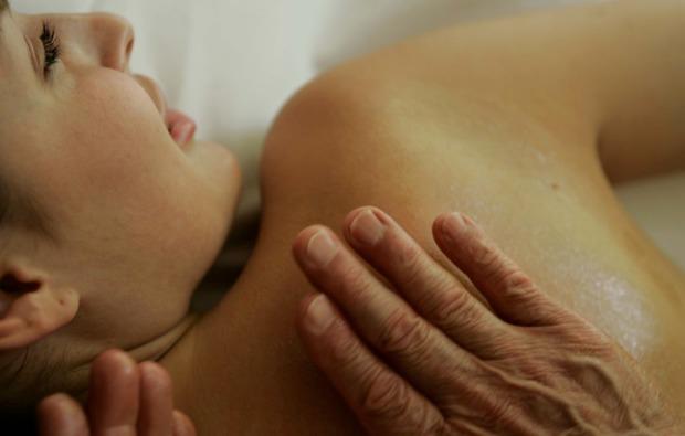 hot-stone-massage-brand-wohltuend