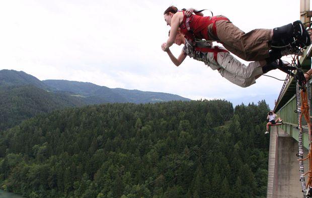 bungee-jumping-jauntalbruecke-jauntalbruecke-in-kaernten-tandem-drop-off