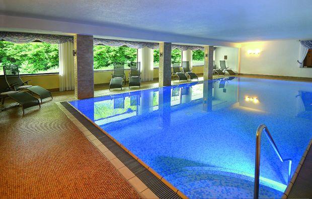 schlemmen-traeumen-baiersbronn-pool