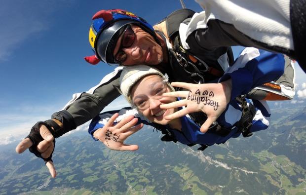 fallschirm-tandemsprung-st-johann-tirol-freier-fall