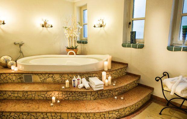 romantikwochenende-bad-hofgastein-whirlpool