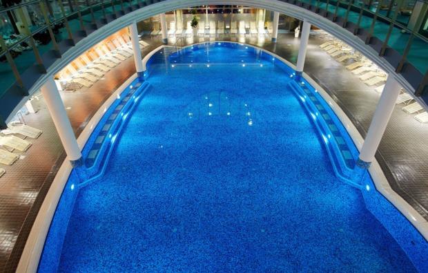 wellnesshotel-berlin-schwimmbad