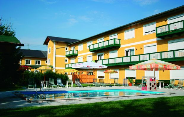kurzurlaub-aspach-swimming-pool