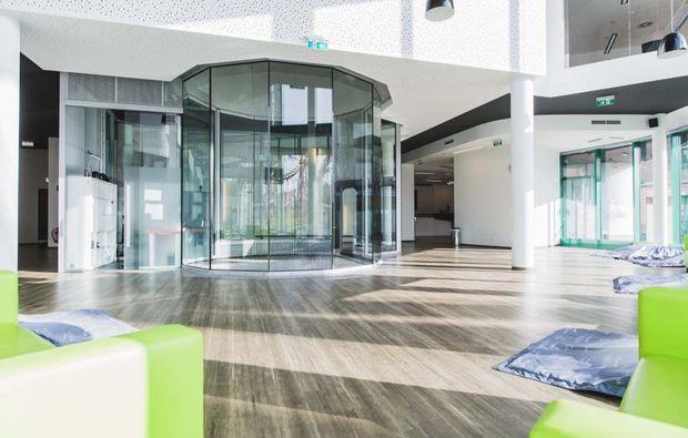 indoor-bodyflying-wien-lobby