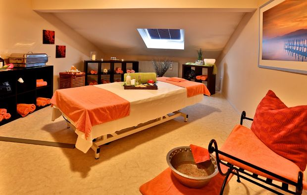gesichtsmassage-bad-fuessing-massagezimmer