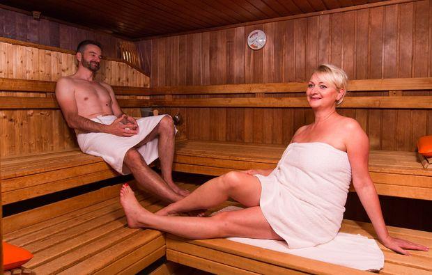 gesichtsmassage-bad-fuessing-sauna