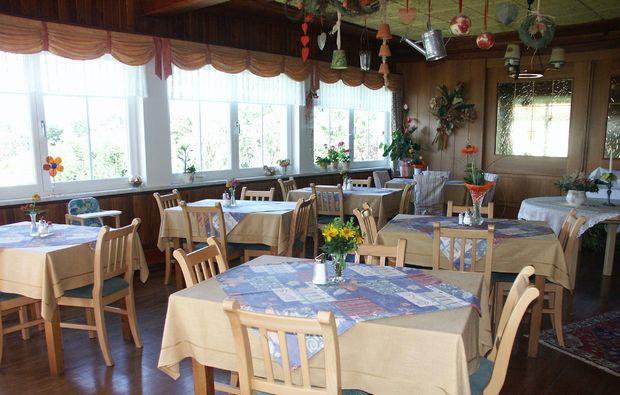 zauberhafte-unterkuenfte-seeboden-fruehstuecksraum