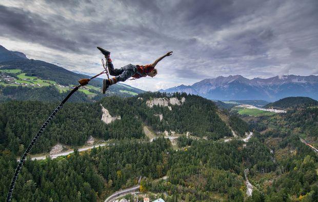 bungy-jumping-europabruecke-bei-innsbruck-freier-fall