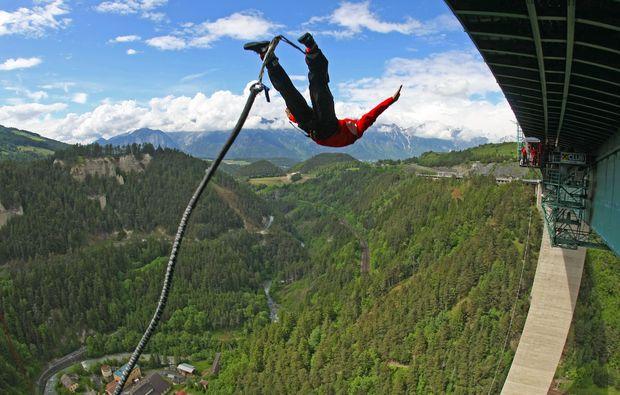bungy-jumping-europabruecke-europabruecke-bei-innsbruck-springen
