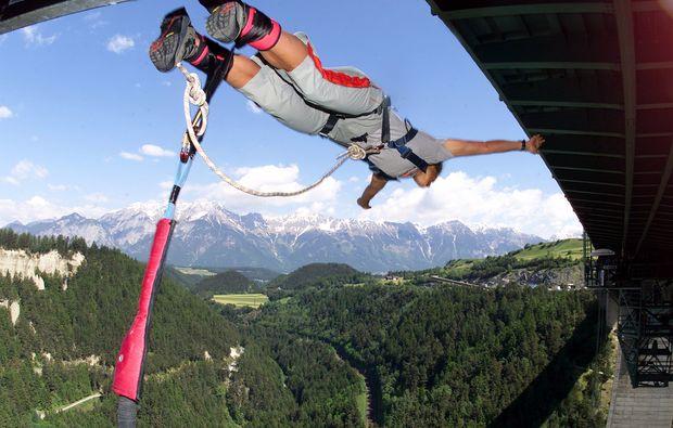 bungy-jumping-europabruecke-europabruecke-bei-innsbruck-sprung
